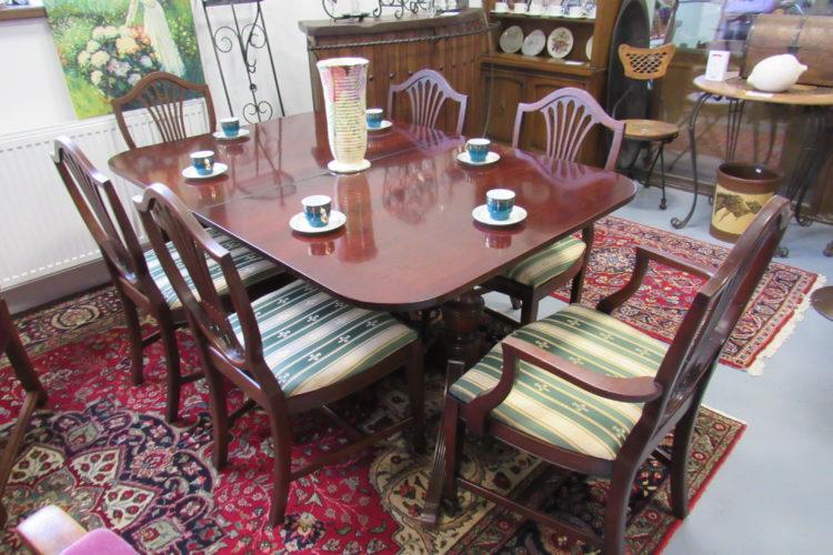 Jídelní stůl + 6 židlí č. 8664