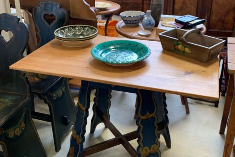 Stůl malovaný č.9201