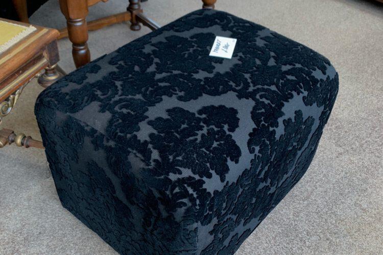 Taburet černý č.9345